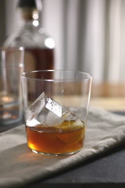 Bourbon and Ginger Cocktail | BourbonAndHoney.com