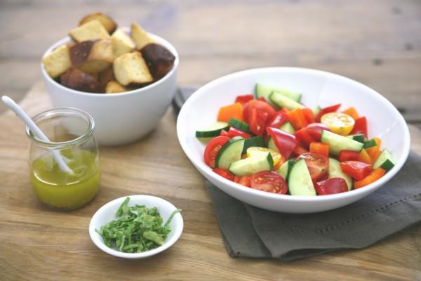 Pretzel Panzanella Salad   BourbonAndHoney.com