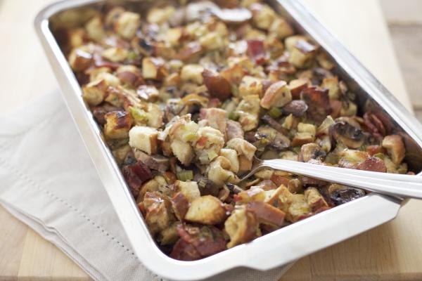 Pretzel Bread Stuffing with Bacon, Leeks and Mushrooms | BourbonAndHoney.com