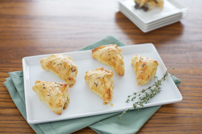 Mushroom and Gruyère Appetizer Puffs | BourbonAndHoney.com