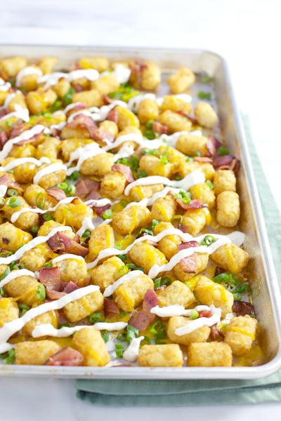 Bacon Cheddar Tater Tot Nachos | BourbonandHoney.com
