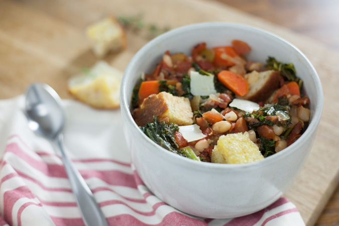 Tuscan Vegetable Soup {Ribollita}