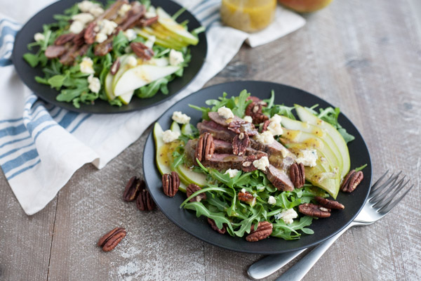 Arugula Flank Steak Salad with Pears and Blue Cheese